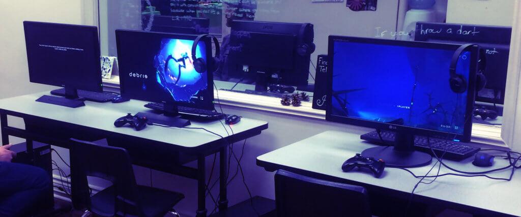 Debris gaming booth